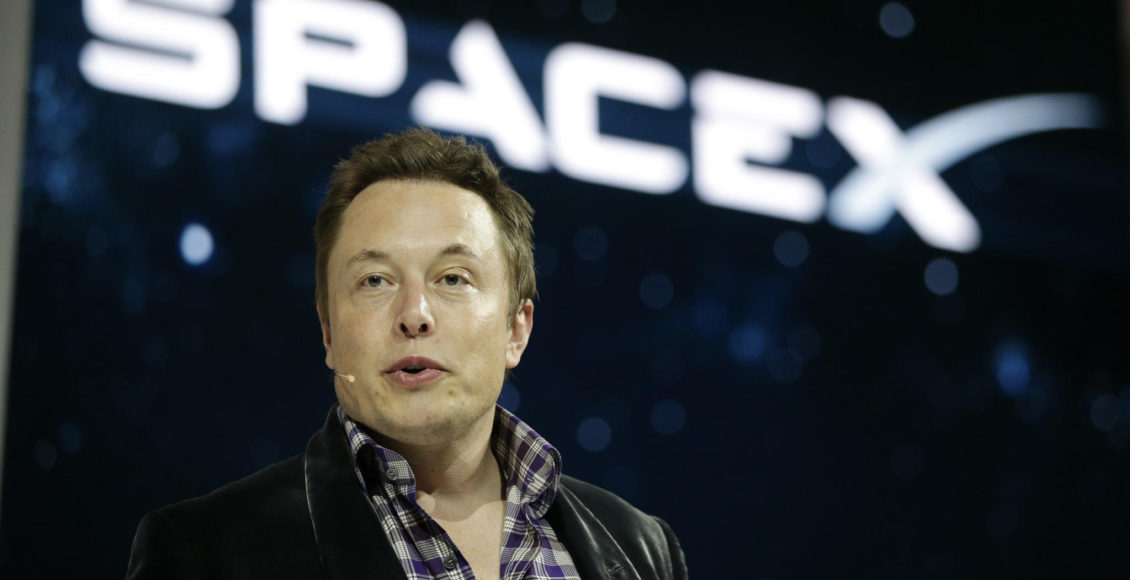 SpaceX's Elon Musk Unveils Interplanetary Spaceship to Colonize Mars